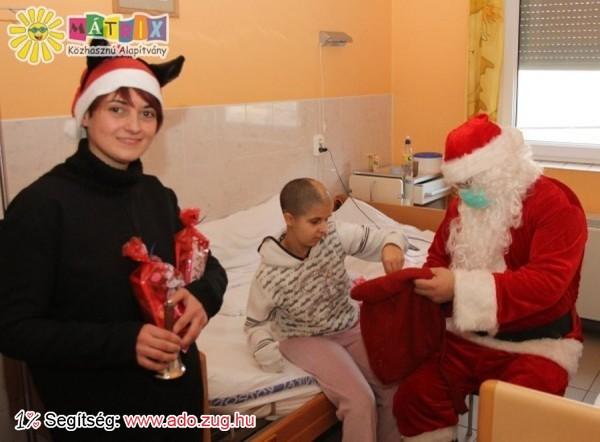 A nagybeteg piciknek is vittünk ajándékokat a kórházba
