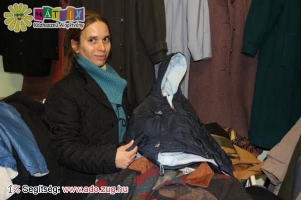 Folyaik a ruhaválogatás a Centerkében